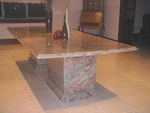 Granite_table_top_and_base_in_Juperana[1a]